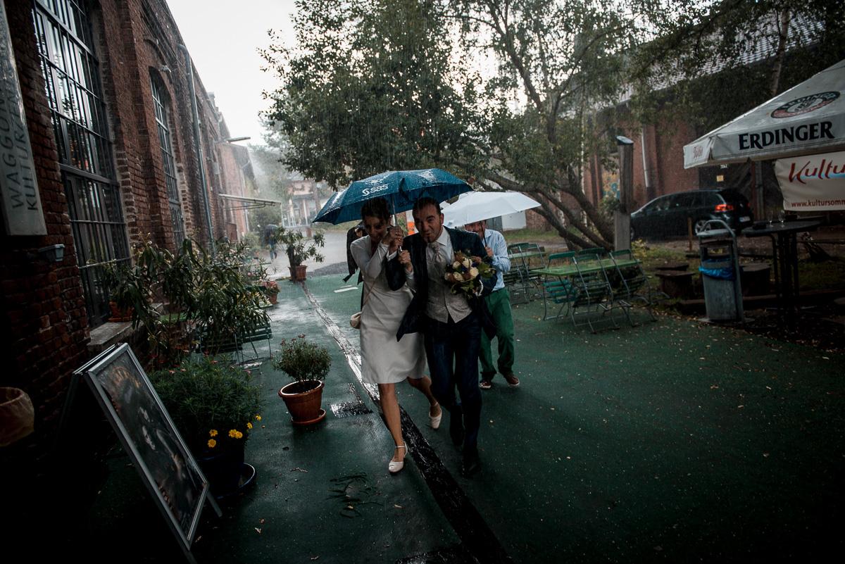 platzregen regenschauer hochzeit